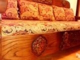 Мужчина из Волгограда продает диван по невероятной цене