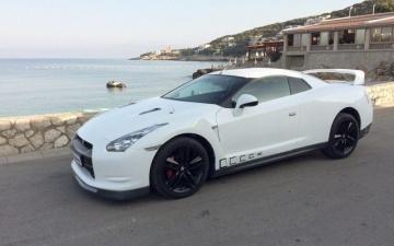 Реплика спорткара Nissan GT-R, созданная из Ford Cougar