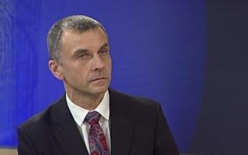 Ильмар Томуск советует Нарвскому горсобранию нанять переводчика