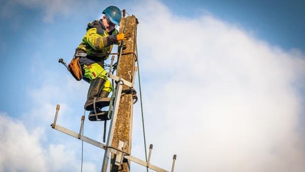 Elektrilevi: сильный ветер обесточил несколько тысяч домов в Эстонии