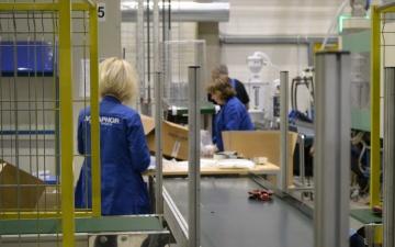 """Ида-Вируский завод """"Аквафор"""" возглавил рейтинг по объему уплаченных налогов на рабочую силу"""