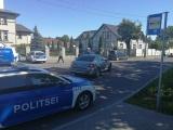 В Нарве полицейский автомобиль столкнулся с легковушкой