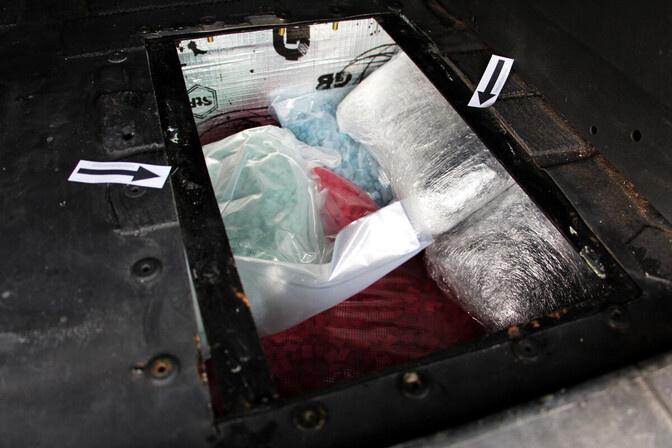Полиция задержала в Нарве грузовик с наркотиками
