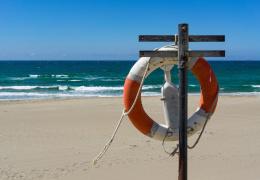 Вандалы разрушают стенды со спасательными средствами на пляжах в Ида-Вирумаа