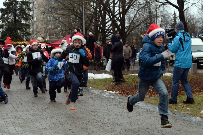 в Нарве состоялся благотворительный костюмированный забег