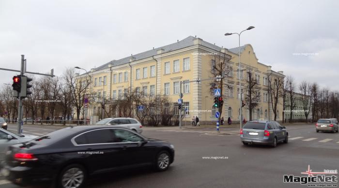 """В Нарве реновируют фасады залов """"Энергия"""" и Кесклиннаской гимназии"""