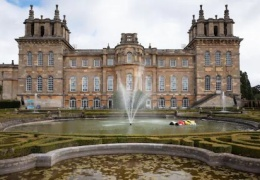 В Британии из Бленхеймского дворца украли золотой унитаз стоимостью $6 млн