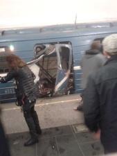 После взрыва в петербургском метро закрыты семь станций