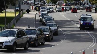Кортеж автомобилистов-добровольцев доставит мигрантов из Венгрии в Австрию и Германию
