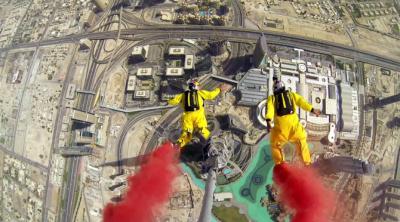 Бейсджамп-прыжок с небоскреба «Бурдж-Халифа»