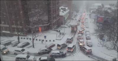 «День жестянщика» во Владивостоке: снегопад стал причиной более 350 ДТП и 10‐балльных пробок