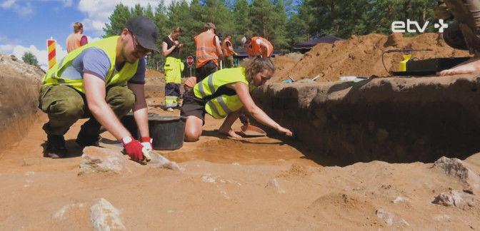 """""""Инсайт"""": черные археологи лишают Нарву прошлого"""