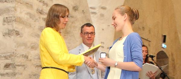 +Галерея. С медалями окончили гимназию 14% нарвских выпускников