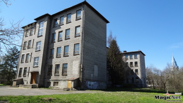 У депутатов Нарвского горсобрания появилась идея снести здание бывшей Школы №7