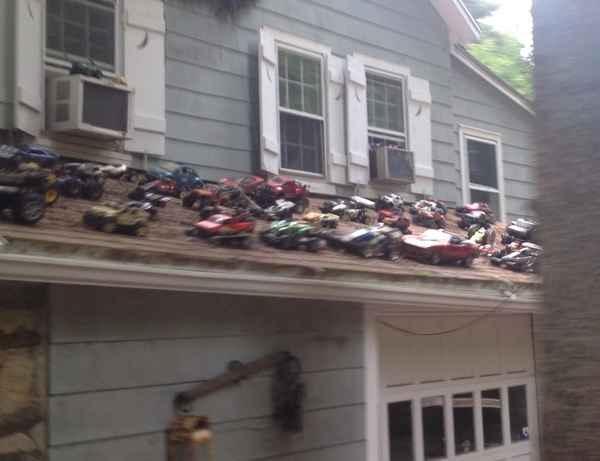 У соседа какая-то нездоровая любовь к автомобилям