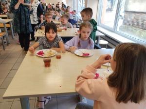 Горячие обеды с начала учебного года смогут получить не все нарвские школьники