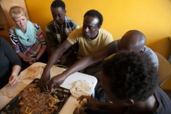 В Нарве рассмотрят идею проведения опроса о размещении беженцев в городе
