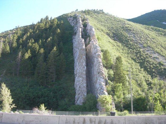Спуск дьявола — необычная гора в США