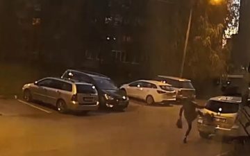 Полиция ищет нарвитянку, оставившую вмятину на автомобиле