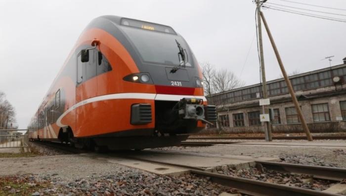 В связи с ремонтом на трех железнодорожных станциях в Ида-Вирмаа с 16 по 25 марта временно изменится расписание пассажирских поездов Elron на линии Таллинн-Нарва.