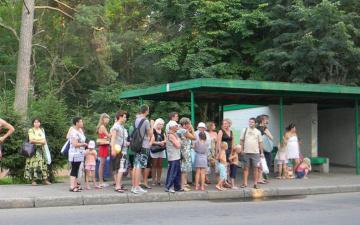 Туристы заполнили бесплатные автобусы между Нарвой и Нарва-Йыэсуу, вытеснив местных жителей