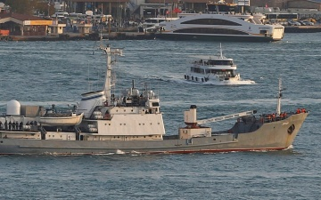 Российский военный корабль затонул после столкновения с торговым судном в Черном море