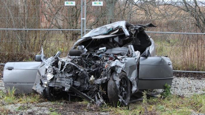 Под Хаапсалу произошло тяжелое ДТП, погибли четверо молодых людей