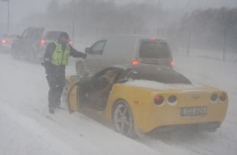 Полиция в Тарту готовится временно запретить движение на летних шинах