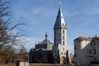 «Разумный и нужный шаг»: государство и ЭЕЛЦ выкупили Нарвский Александровский собор из списка банкротного имущества