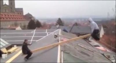 Качели на крыше