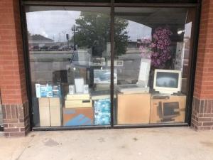 Заброшенный компьютерный магазин вызвал всплеск ностальгии в сети