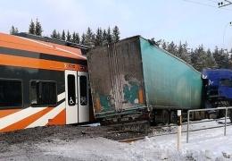 Ущерб от столкновения поезда с грузовиком под Кейла составил 1,2 млн евро