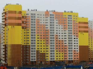 Рабочие снова намудрили с краской во время дождя