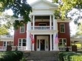 Владельцев отеля из США заставили убрать флаг Норвегии и обвинили в расизме