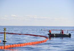 Из затонувшего в Нарвском заливе немецкого военного корабля хотят полностью откачать топливо