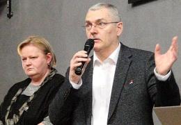 Руководители Нарвской больницы выслушали недовольных пациентов