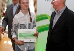 В Нарве вручили стипендии одаренным детям и подросткам Ида-Вирумаа