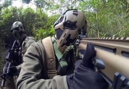 Шлем подразделения SAS, защищающий от пуль