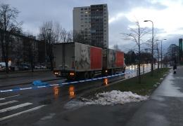 В Мустамяэ под колесами латвийского грузовика погиб 15-летний подросток
