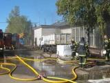 ФОТО: в Нарве горела мебельная фабрика