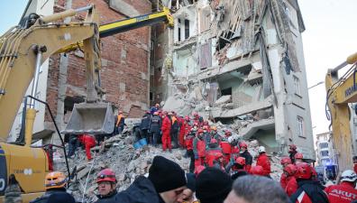 Число жертв землетрясения в Турции возросло до 35