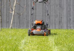 Для газонокосилок вновь можно будет покупать топливо без биодобавок