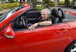 Пара 90-летних пенсионеров пропустила нужный поворот и 15 часов не могла вернуться домой