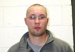 Полиция разыскивает 36-летнего Антона по подозрению в совершении ДТП на дороге Нарва - Нарва-Йыэсуу - Хийеметса