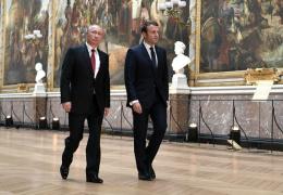 Президент Франции о Путине: он вмешивается везде