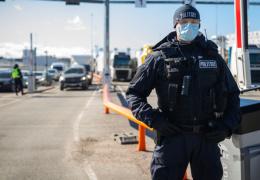 Вахер: в Департаменте полиции и погранохраны 66 человек наотрез отказываются вакцинироваться