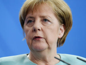 Меркель отреагировала на критику Турции после признания бундестагом геноцида армян
