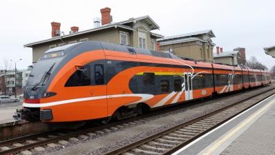 В праздничные дни изменится расписание пассажирских поездов