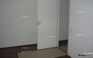 В Нарве арендатор унес из съемной квартиры холодильник, микроволновую печь и даже дверные ручки