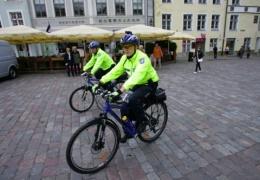 Часть полицейских Эстонии на лето пересядет на велосипеды